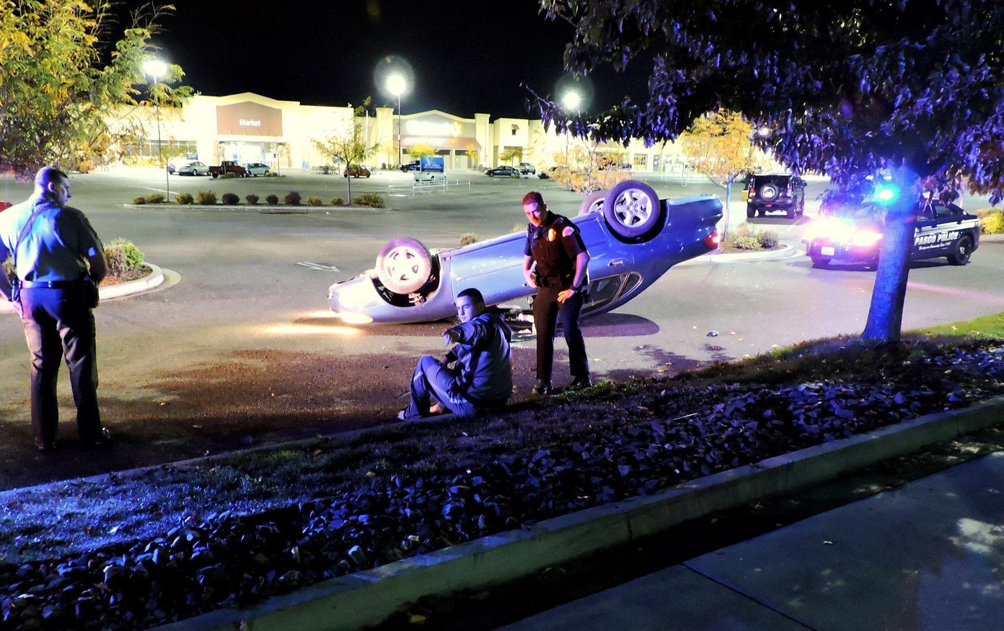 Rollover accident in Pasco