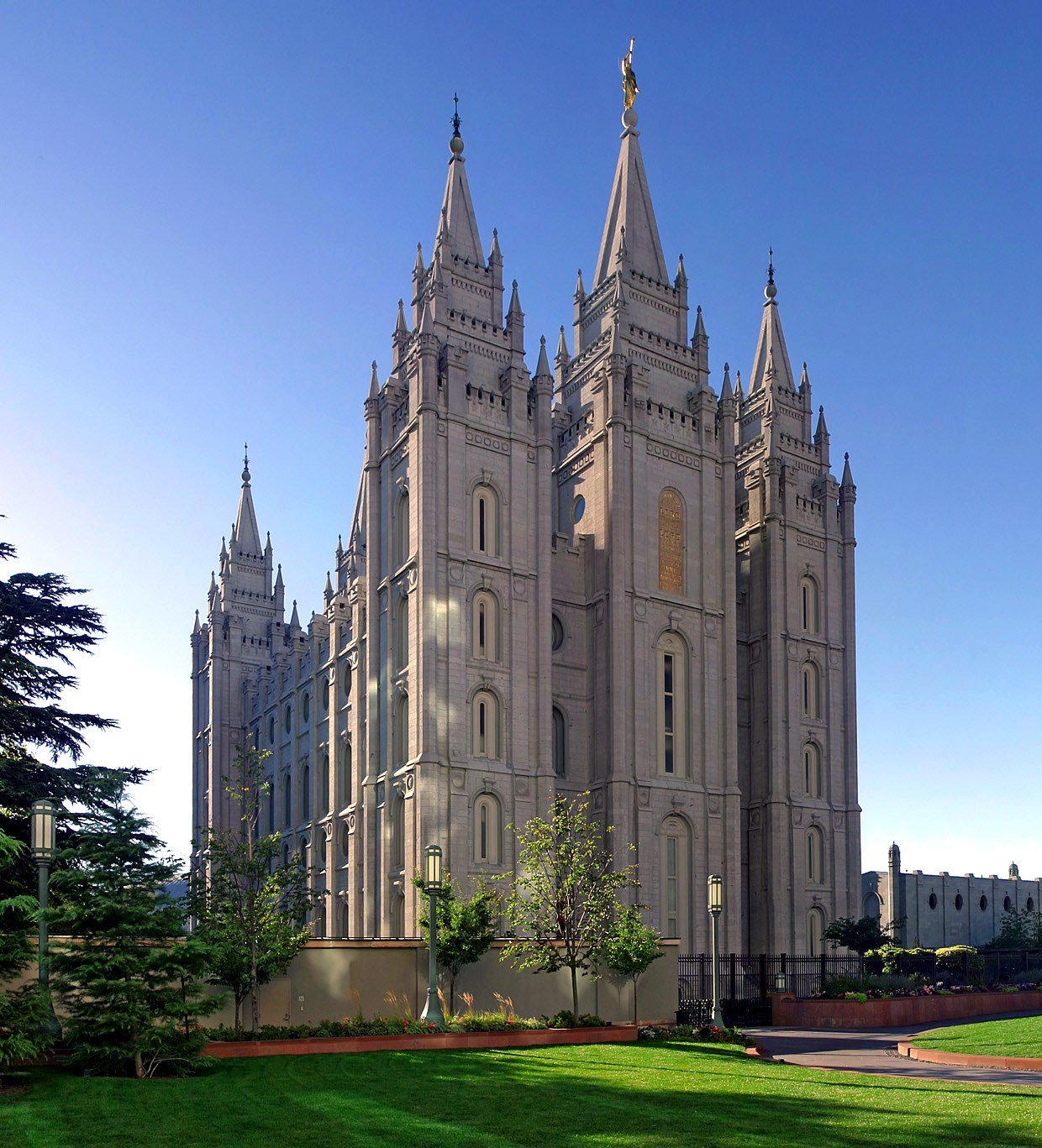 Mormon essay address history of women in the priesthood