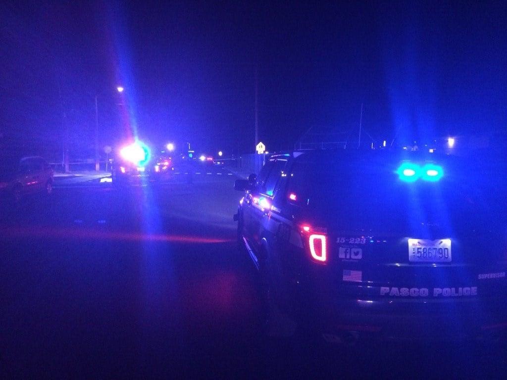 Man found dead in Pasco street with gunshot wound