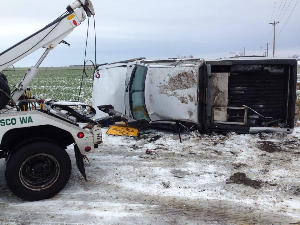 Truck rollover near Pasco