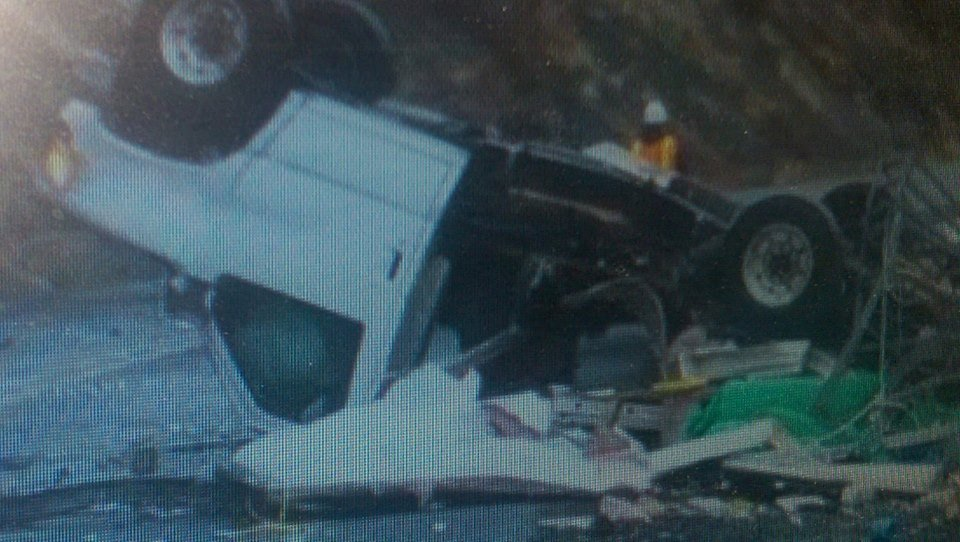Rock slide causes car accident on Hwy 12 near Yakima